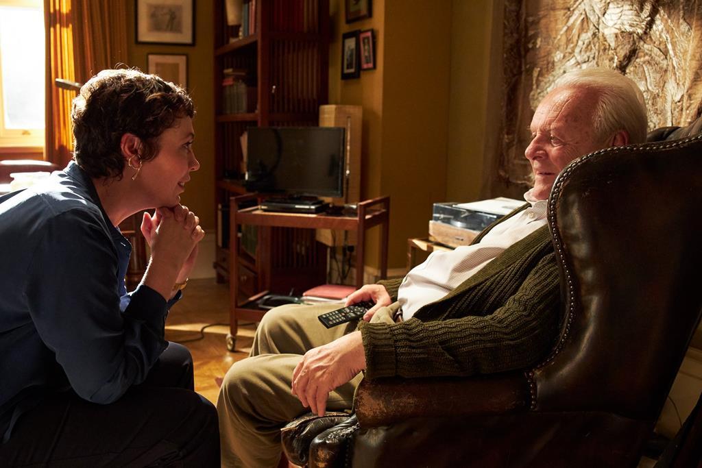 "Anthony Hopkins e Olivia Colman em ""The Father"" (""O Pai"")"