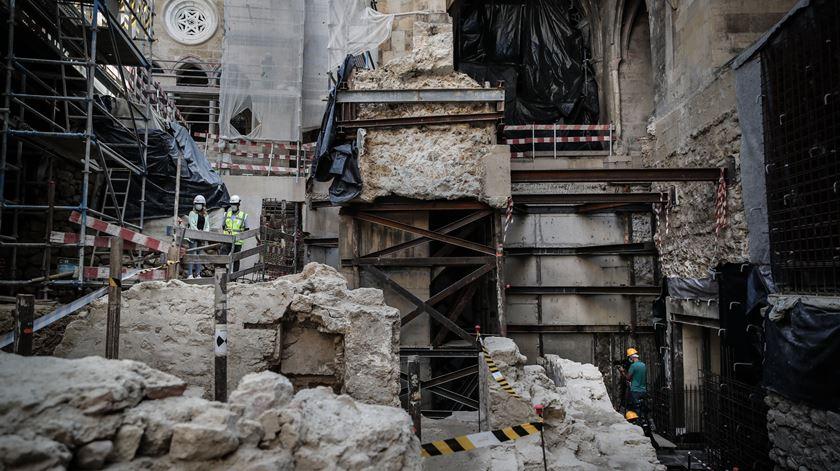 Obras no claustro da Sé Patriarcal de Lisboa levaram à descoberta de vestígios arqueológicos de uma mesquita. Foto: Mário Cruz/Lusa