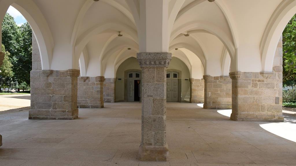 Claustros exteriores do Palácio. Foto: Câmara Municipal de Évora