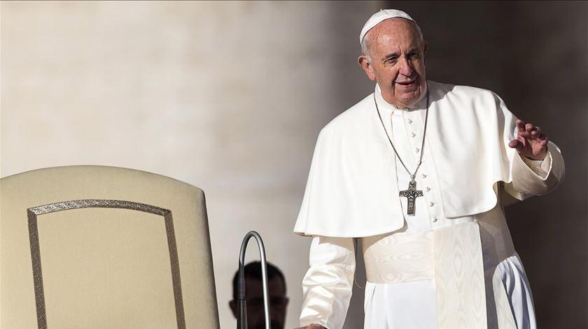 O Papa Francisco diz que o celibato é um dom para a Igreja Católica de rito latino. Foto: Angelo Carconi/EPA