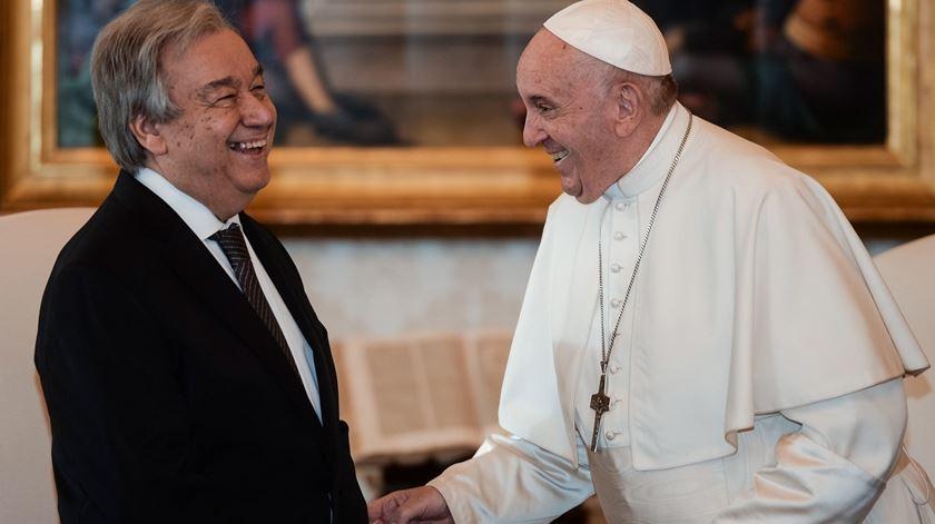 Papa Francisco com António Guterres no Vaticano, os dois falaram sobre a intolerância religiosa. Foto: Filippo Monteforte/EPA