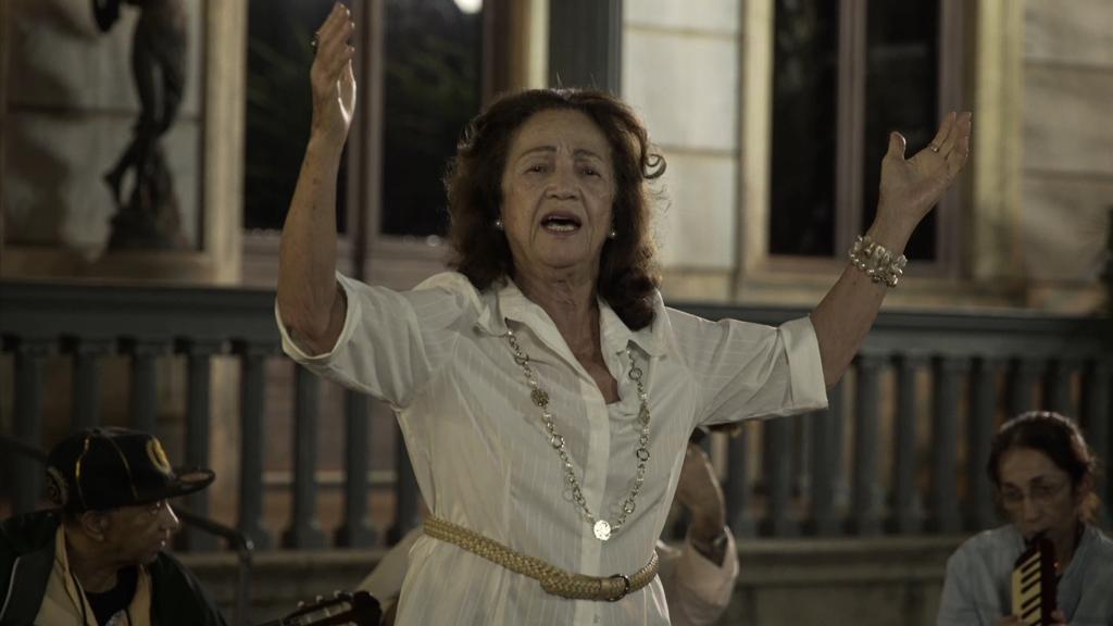 """Em """"Paraíso"""", Tréfaut filmou uma geração de sobreviventes que está a ser dizimada pela pandemia"""