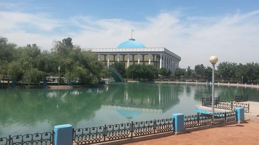 Parque de Alisher em Tashkent, no Uzbequistão. Foto: Bahremi/Wikipedia