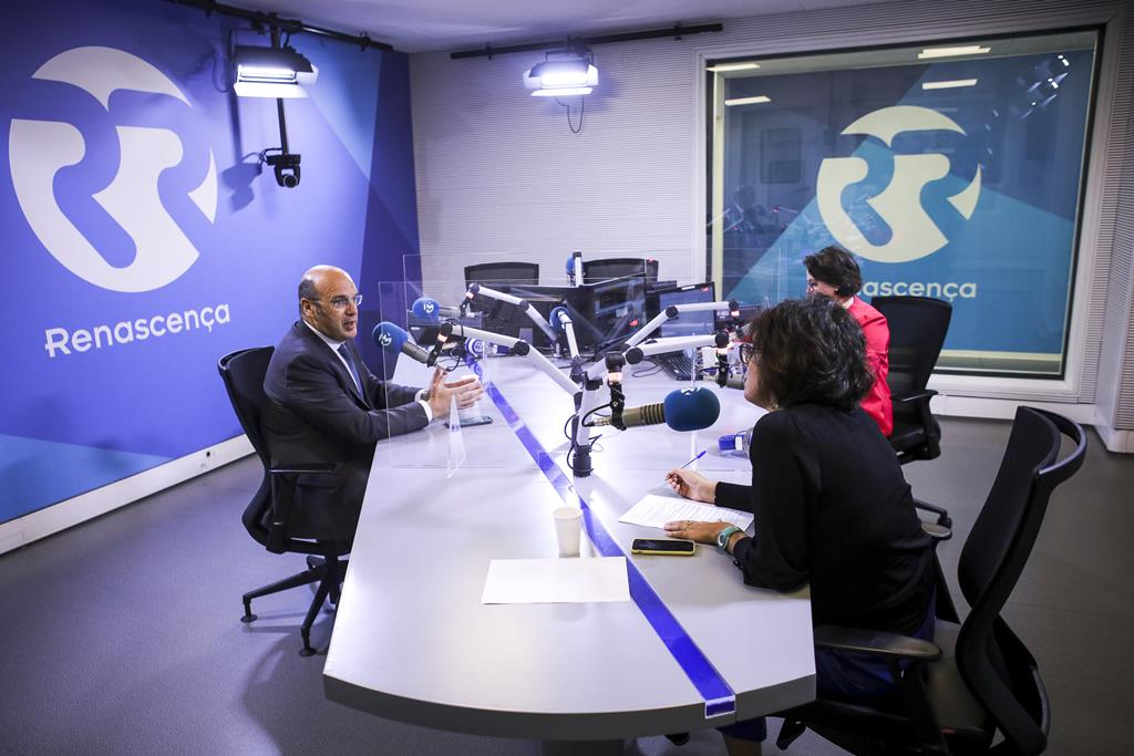 Pedro Siza Vieira em entrevista à Renascença e ao Público. Foto: Nuno Ferreira Santos/Público