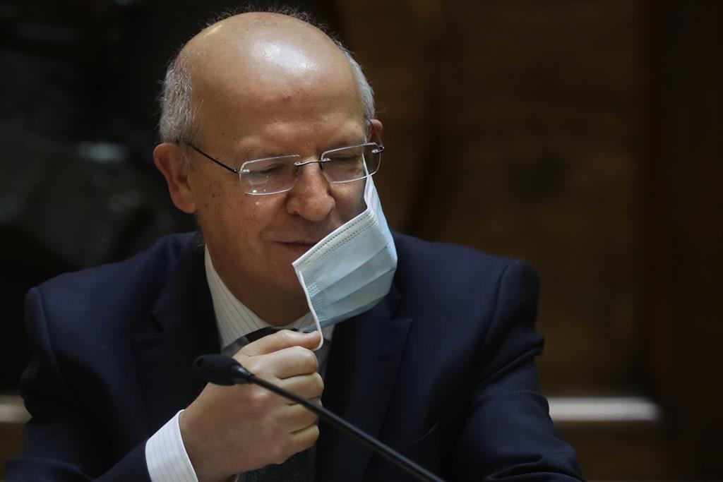 Augusto Santos Silva congratula-se com a forma como a CML resolveu o caso. Foto: Tiago Petinga/Lusa