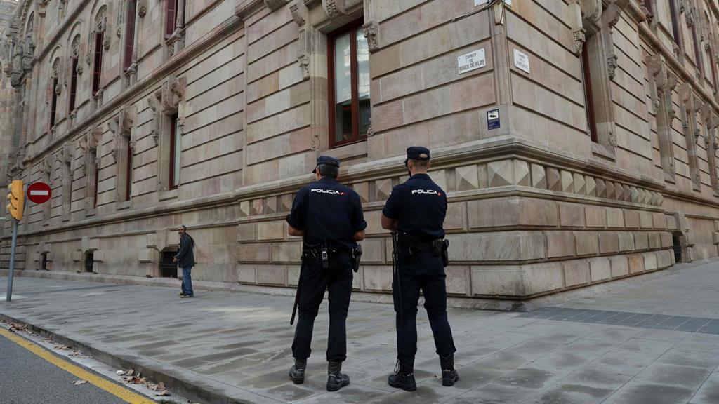 Polícia espanhola. Foto: Toni Albir/EPA