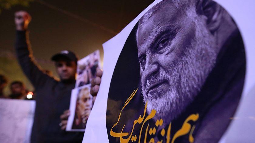 Protesto contra o assassinato de Qassem Soleimani pelos Estados Unidos. Foto: Shahzaib Akber/EPA