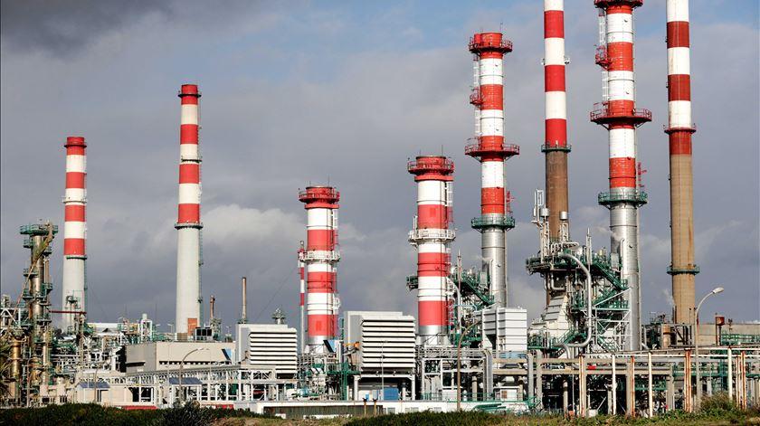 Matosinhos quer uso público de terrenos da refinaria da Galp
