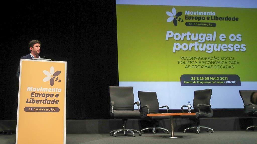 """""""Querer ser apenas do centro é ser tudo e é não ser nada"""", disse o líder do CDS. Foto: Manuel de Almeida/Lusa"""