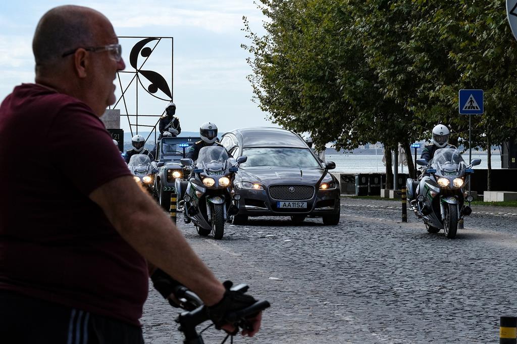 Depois de passar pela Câmara de Lisboa, o cortejo fúnebre de Jorge Sampaio seguiu para o antigo picadeiro real em Belém, depois adaptado a Museu Nacional dos Coches. Foto: Miguel A. Lopes