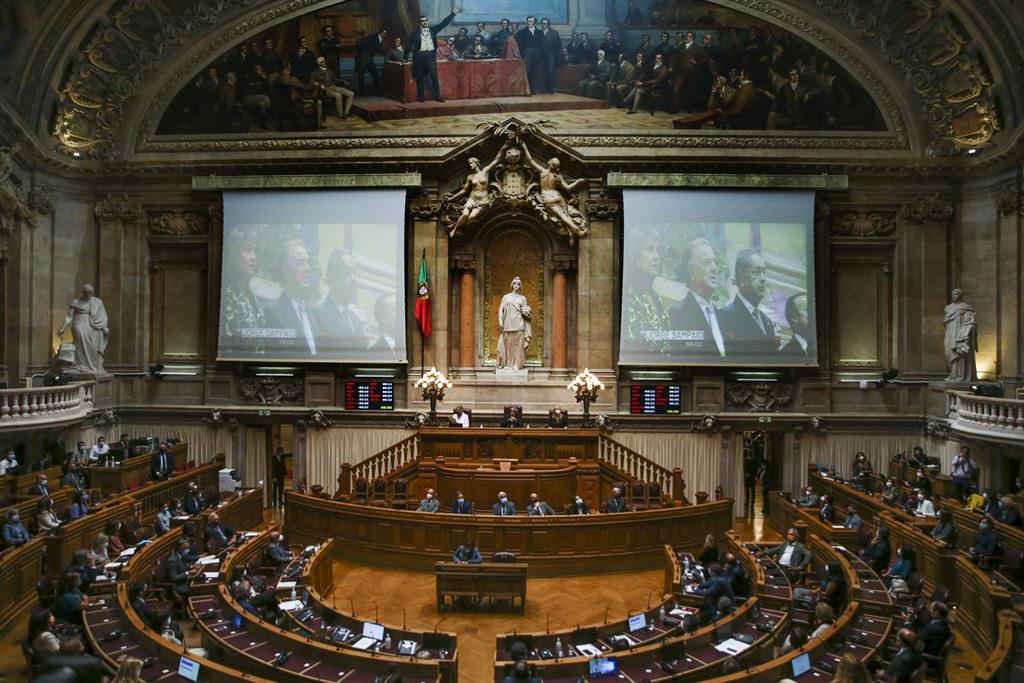 Sessão de homenagem a Jorge Sampaio no Parlamento. Foto: Manuel de Almeida/Lusa