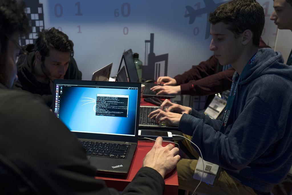 Cerca de 500 vagas em cursos de engenharia e ciência de dados. Foto: Jim Hollander/EPA