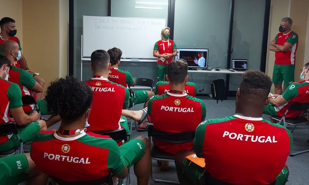 Telma Monteiro com seleção de andebol nos Jogos Olímpicos 2020. Foto: COP