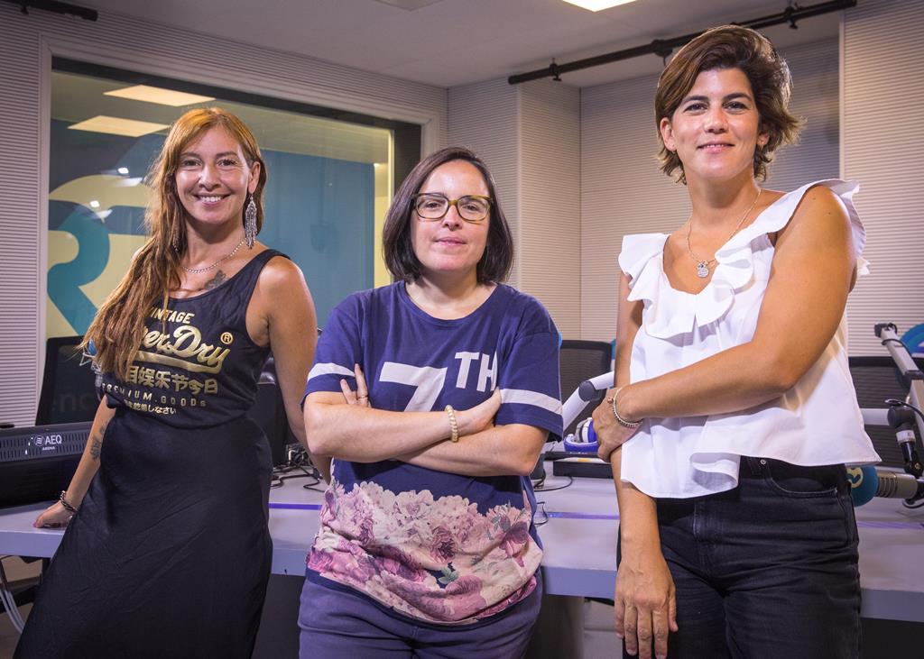 """Ana Galvão, Joana Marques e Inês Lopes Gonçalves são as """"Três da Manhã"""". Foto: Miguel Rato/RR"""