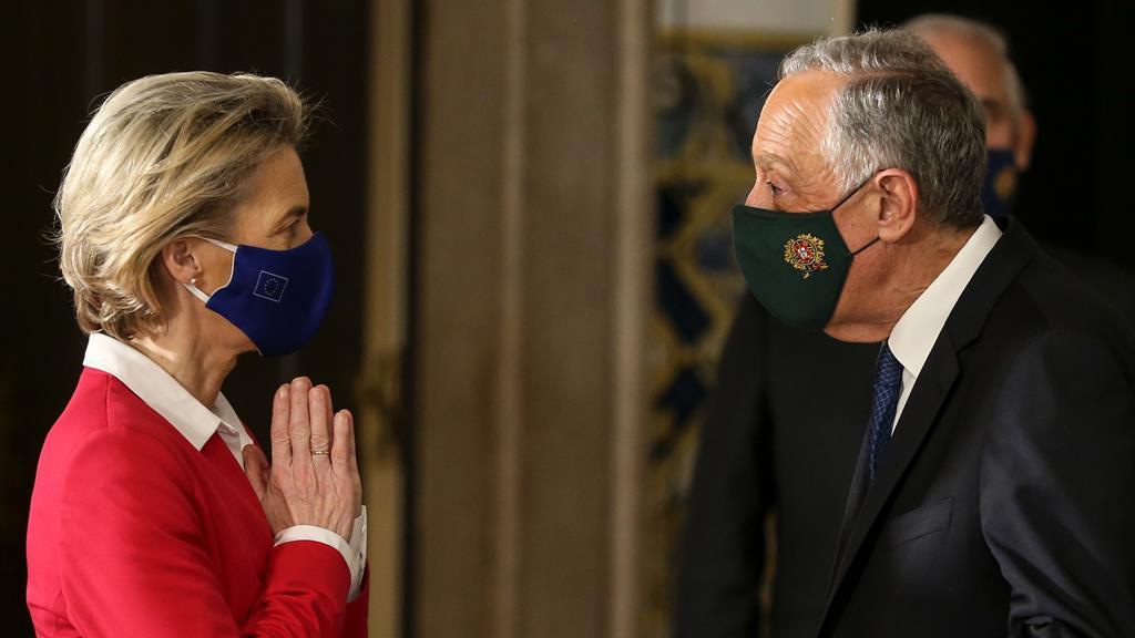 Ursula von der Leyen foi uma das que felicitou Marcelo Rebelo de Sousa pela vitória nas presidenciais.Foto: Manuel de Almeida/Lusa
