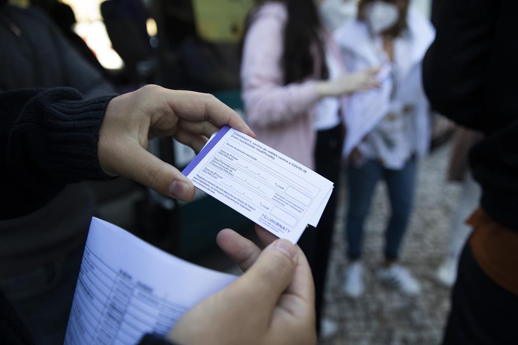 Cartão dado aos utentes no momento em que são vacinados.