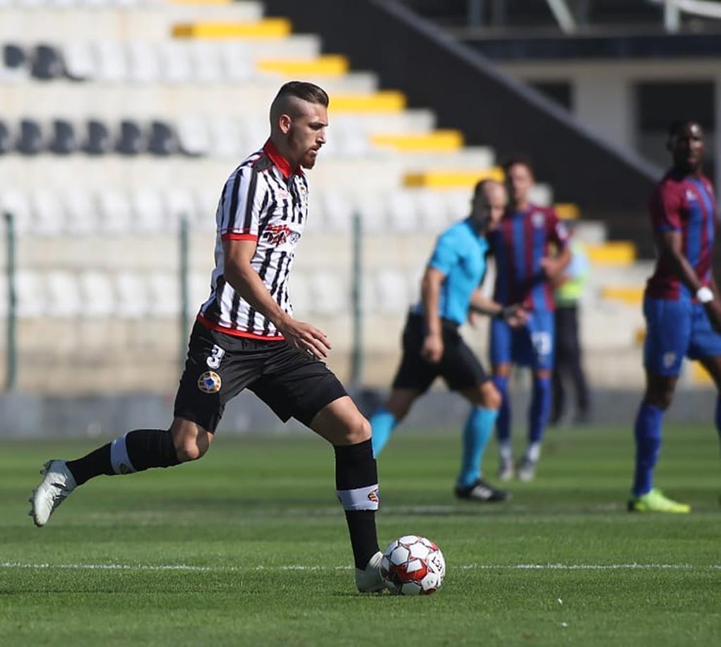 Hoje representa o Rio Ave, mas Hugo Gomes jogou no rival Varzim em 2019/20. Foto: Instagram