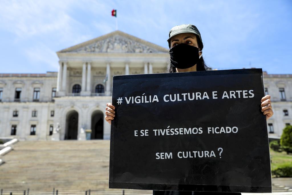 Vigília Cultura e Artes artistas em crise no Parlamento Foto: Miguel A. Lopes/Lusa