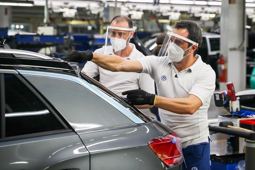 Trabalhadores em lay-off caem 20%. Foto: José Sena Goulão/Lusa